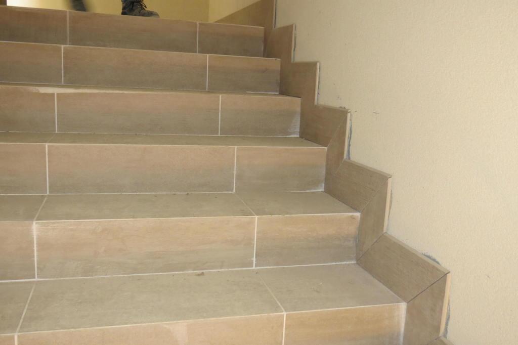 Gres porcellanato per scale interne design per la casa - Scale gres porcellanato ...